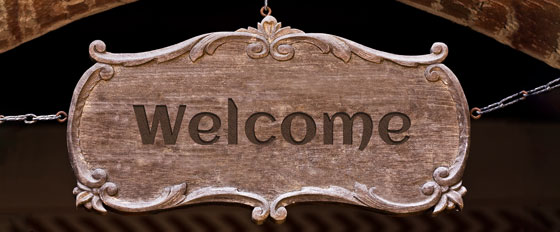 Welcome wooden hanging welcome note