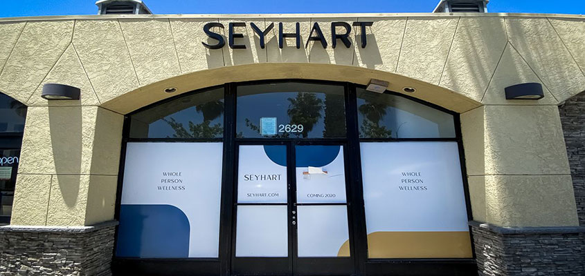 Signage example from Seyhart for showing how to design a business sign