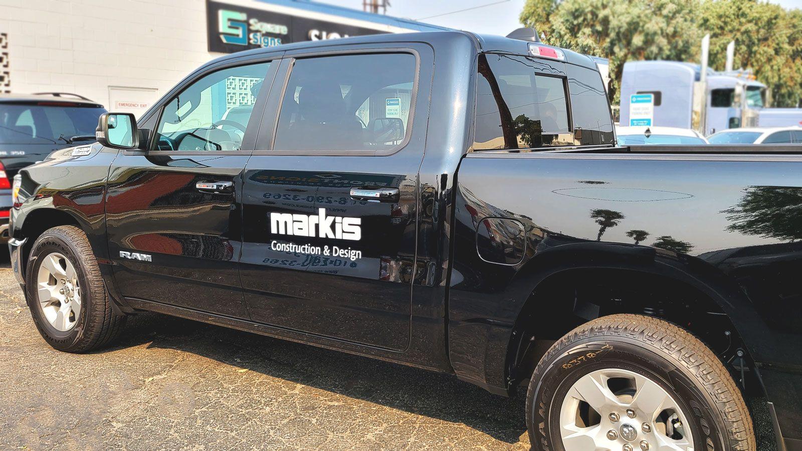 Markis car lettering
