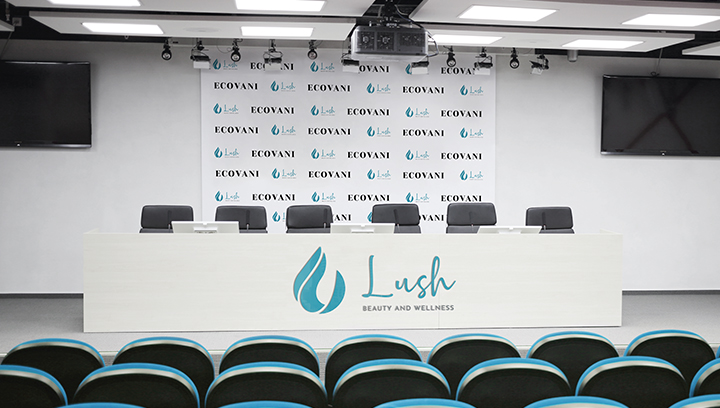 conference-hall-trade-show-sign