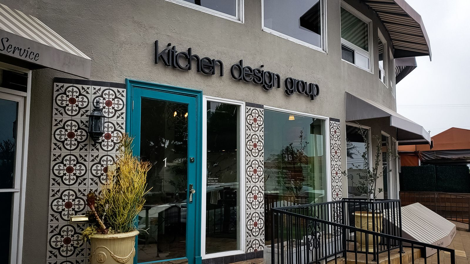 kitchen design group sign