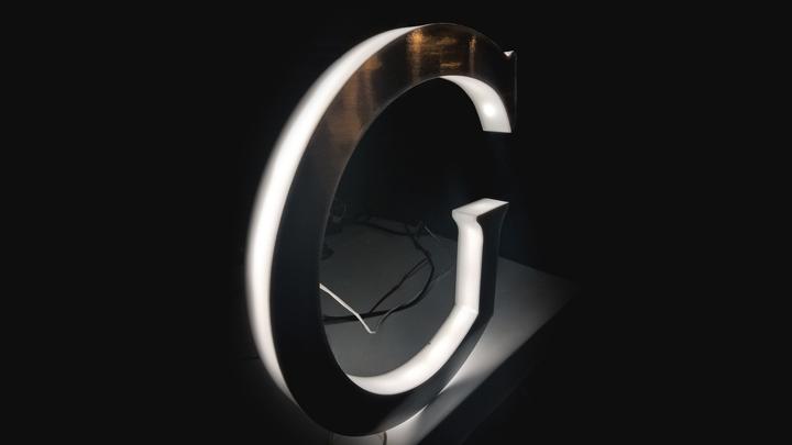 side-lit halo letter