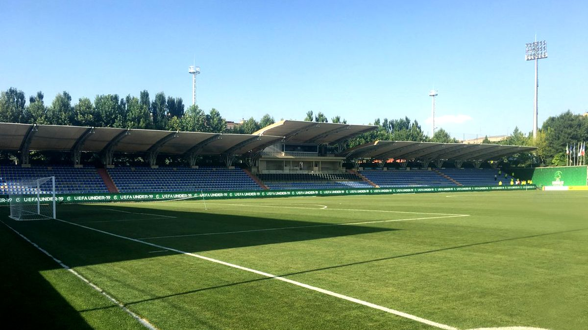 Uefa soccer field vinyl banners