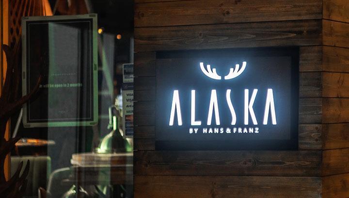 decorative-Aluminum-and-plexi-custom-sign