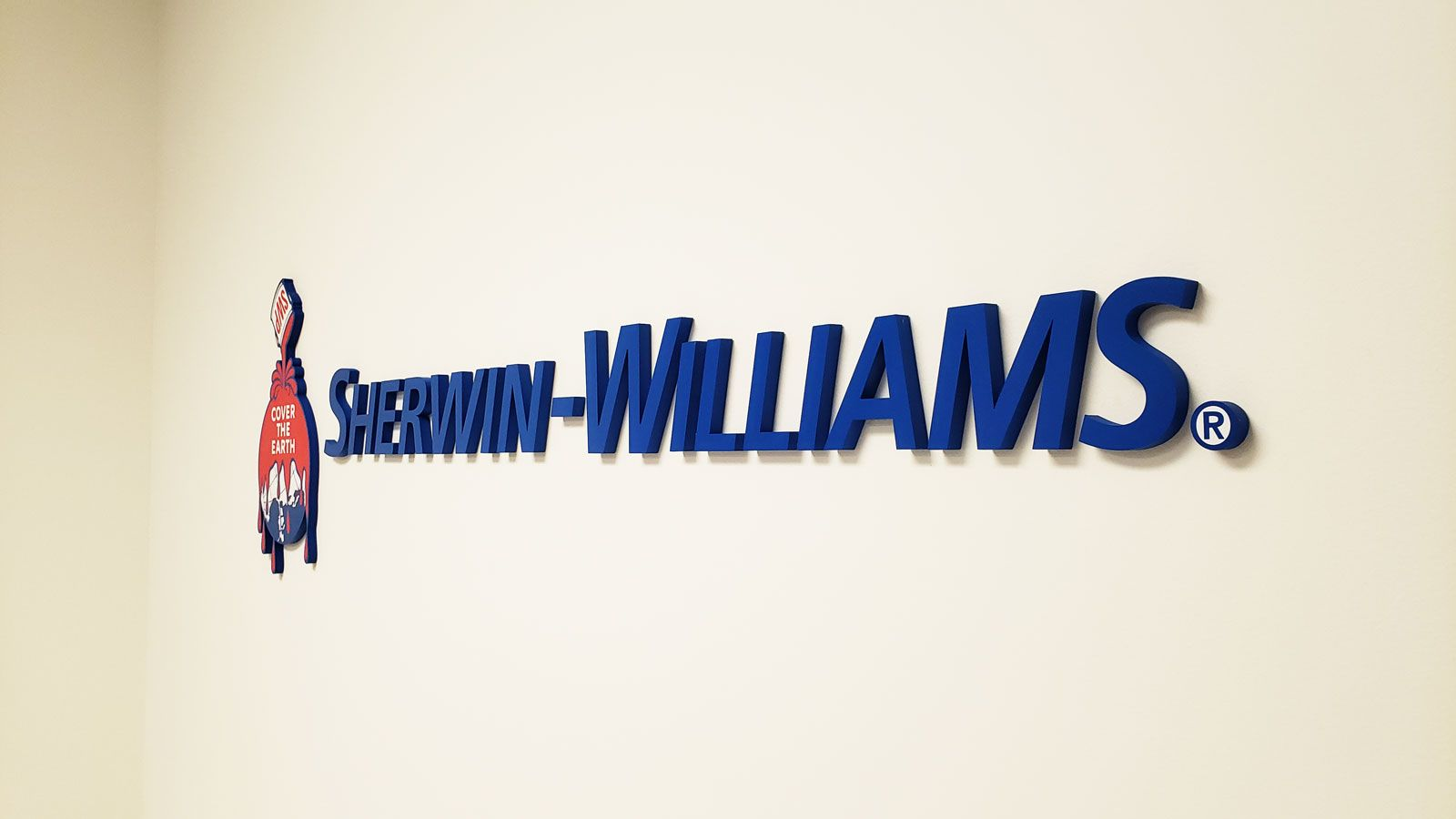 Sherwin-Williams 3d logo sign and painted letters displaying the brand name made of acrylic for office interior branding