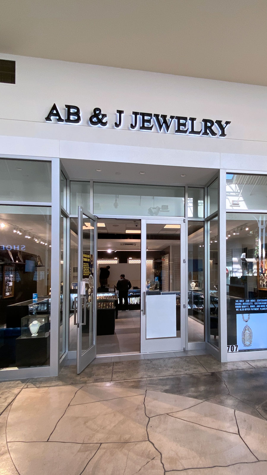 Jewelry store backlit letters