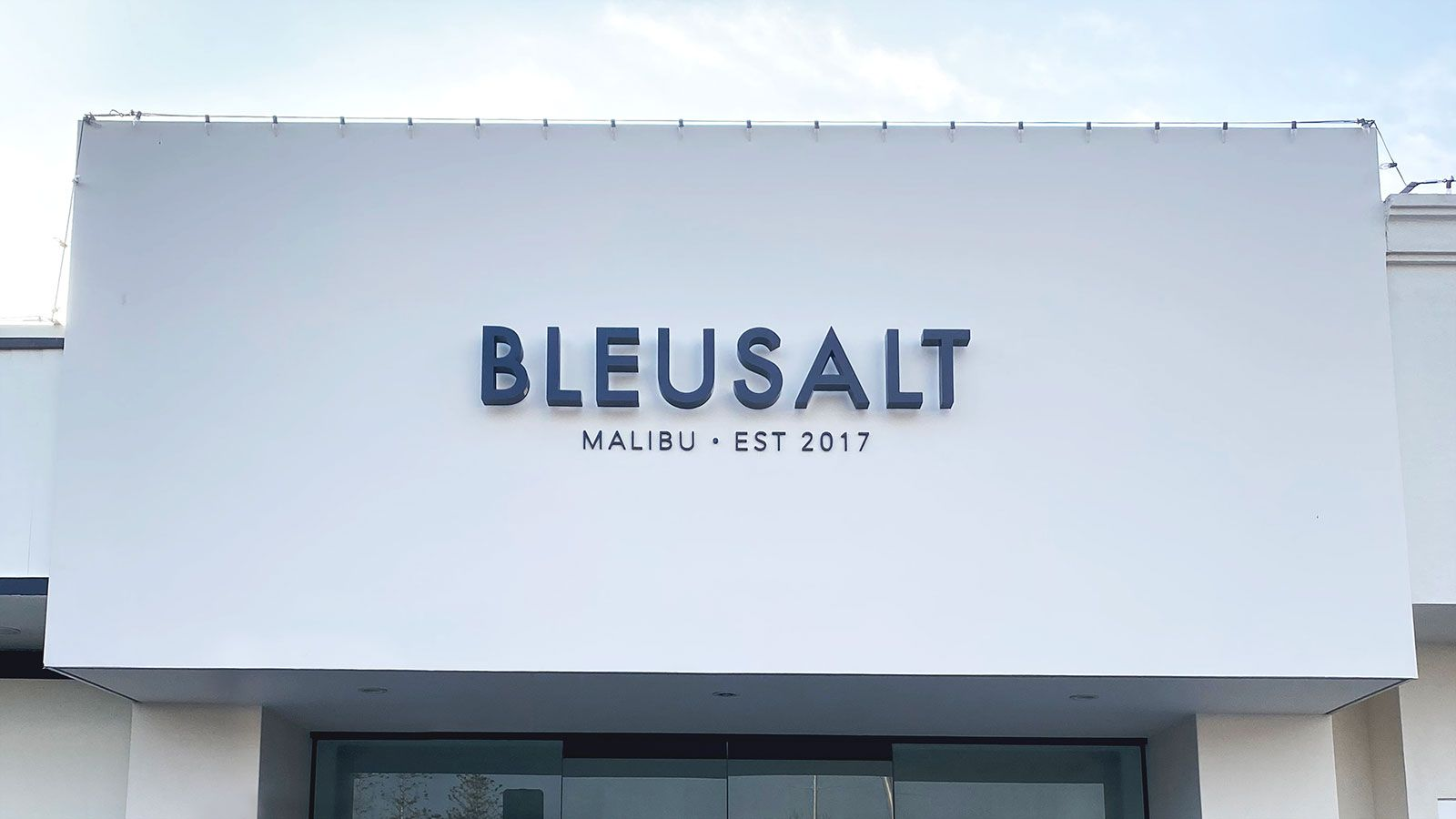 Bleusalt storefront 3d letters
