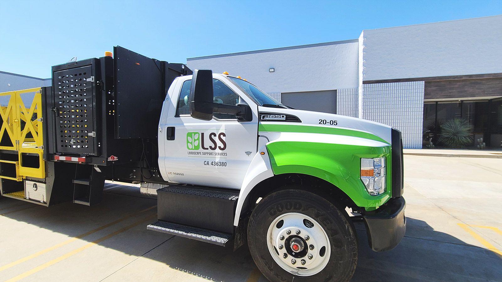 lss custom truck wrap