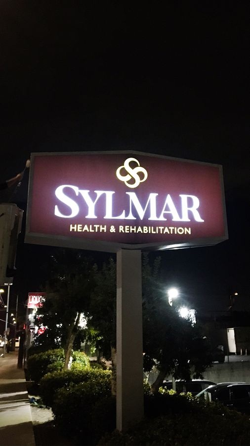 sylmar lighted pylon sign