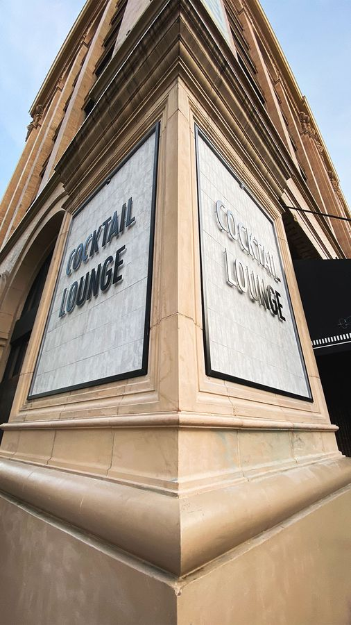 Cocktail Lounge building 3d letters