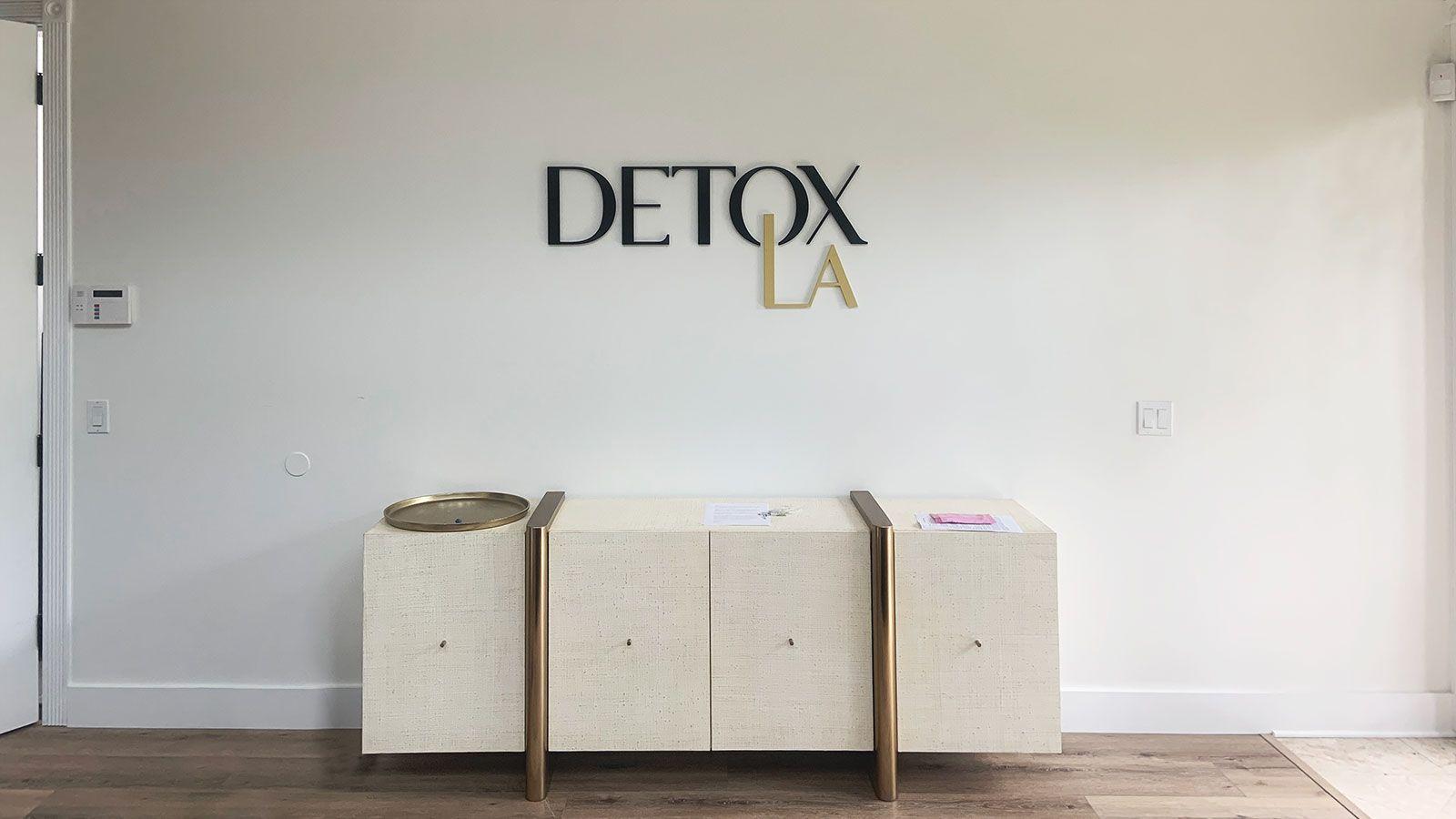 Detox LA 3D letters