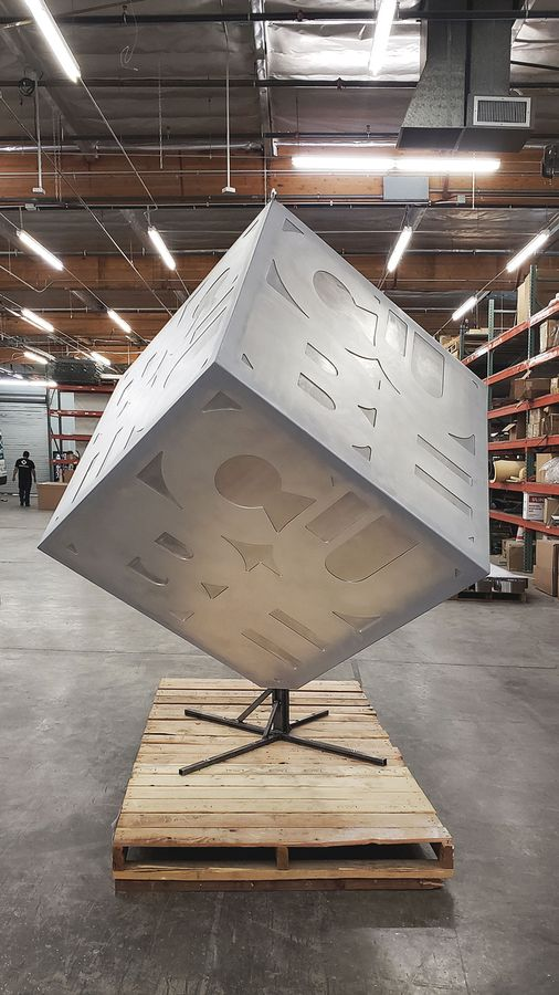 The cube custom sign making