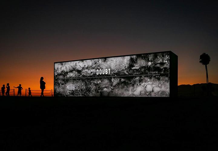 outdoor-illuminated-freestanding-wall