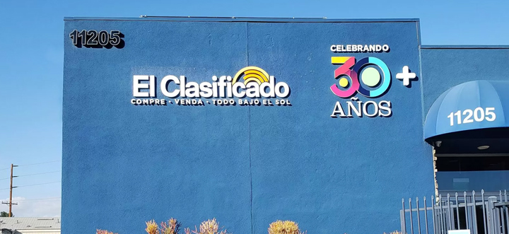 El Clasificado high rise signs in different colors made of PVC