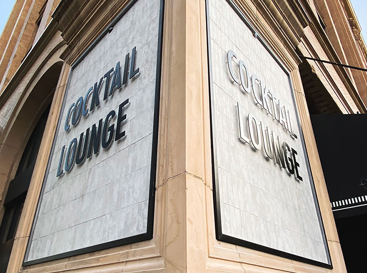Cocktail Lounge building letters displaying the brand name made of aluminum