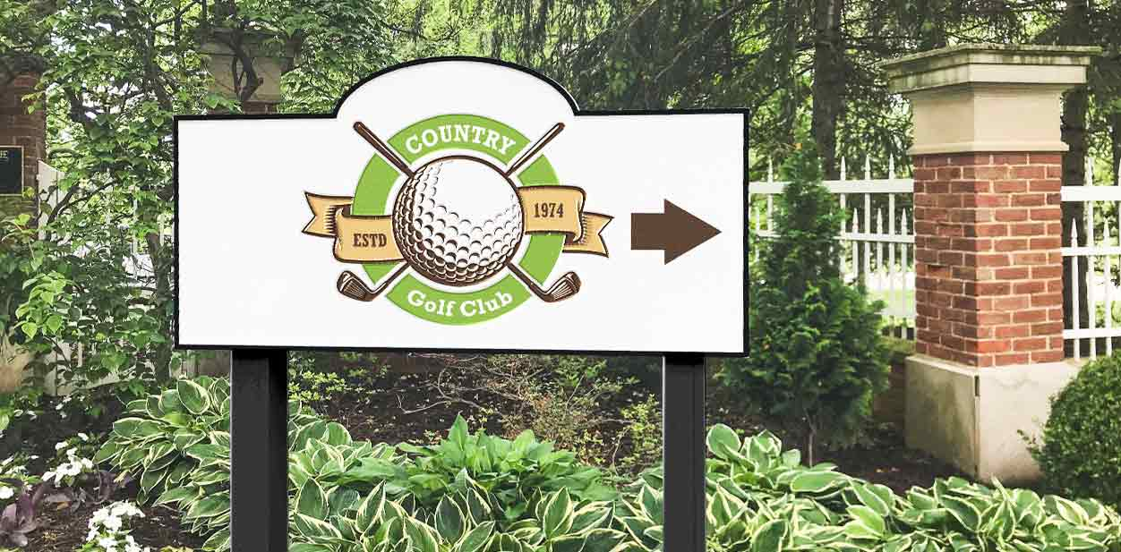 Country Gold Club directional sign in a free-standing style