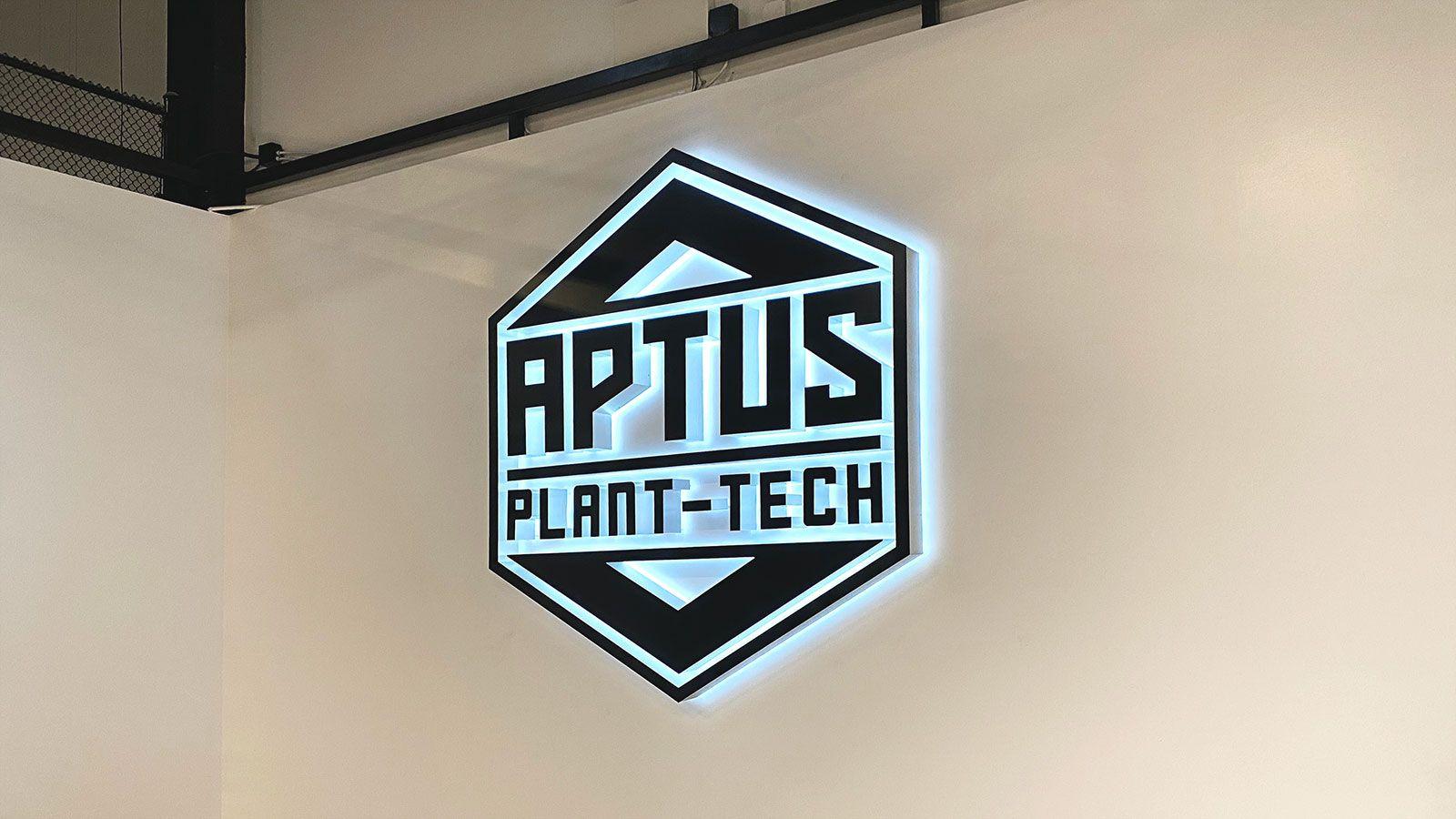Aptus Plant-tech backlit letters