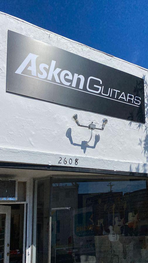 Asken guitars store sign