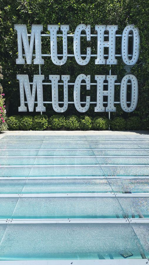 Mucho mucho marquee letters