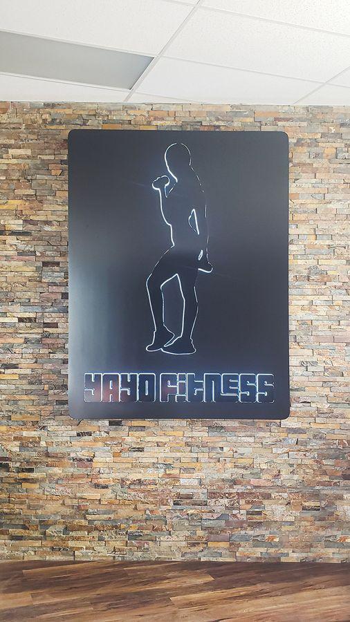 Yayo fitness push through sign