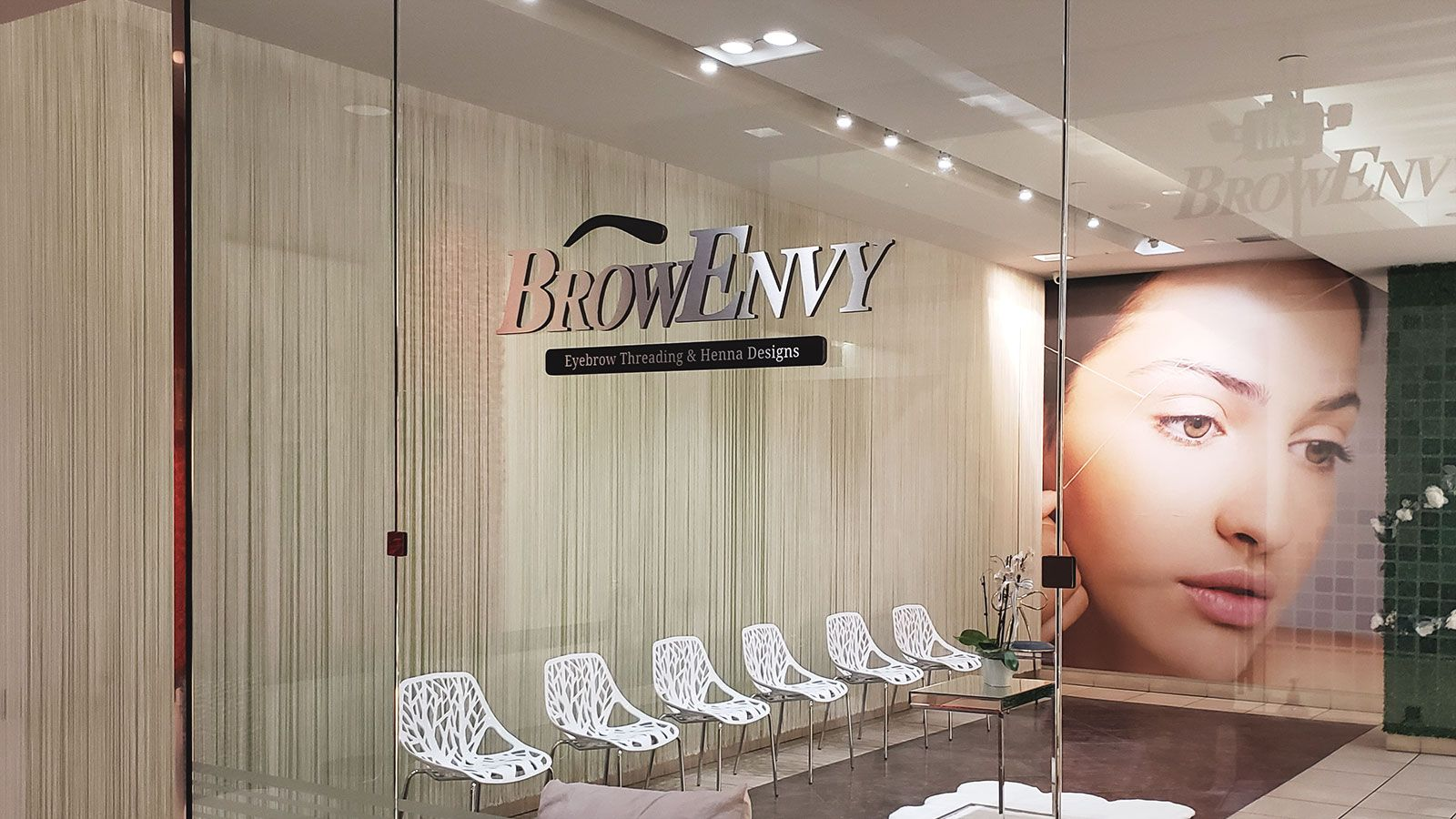 Brow Envy ultra board sign