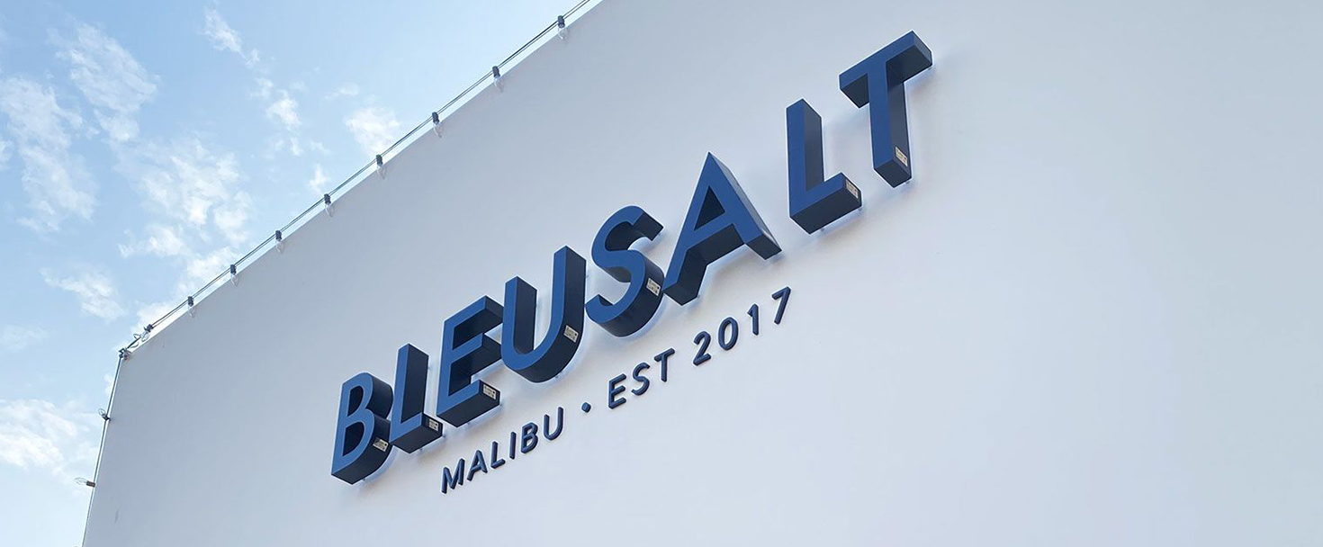 Bluesalt large outdoor sign with brand name channel letters made of aluminum and acrylic