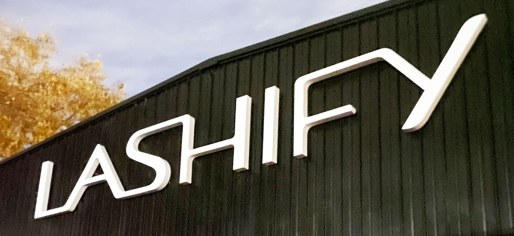 Lashify outdoor 3d sign with brand name channel letters made of acrylic and aluminum