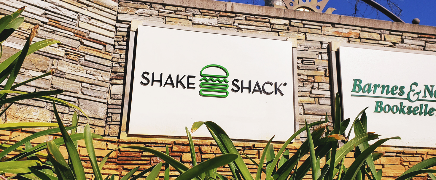 Shake Shack architectural signage with brand name 3d letters made of acrylic