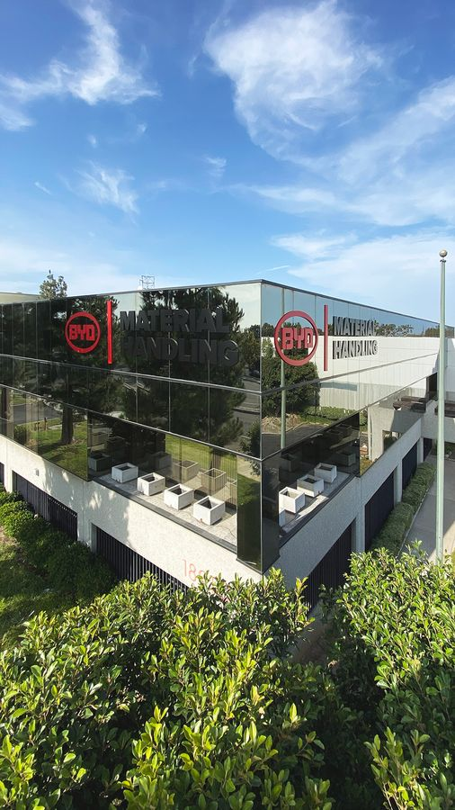 BYD building top 3D sign