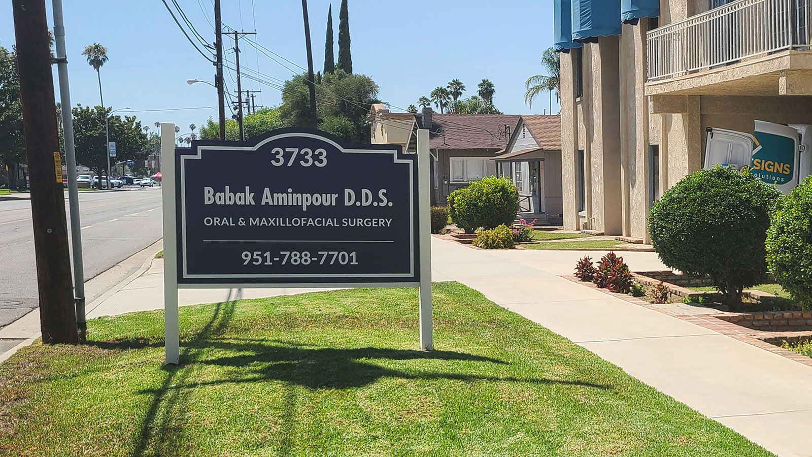 Double sided monument sign