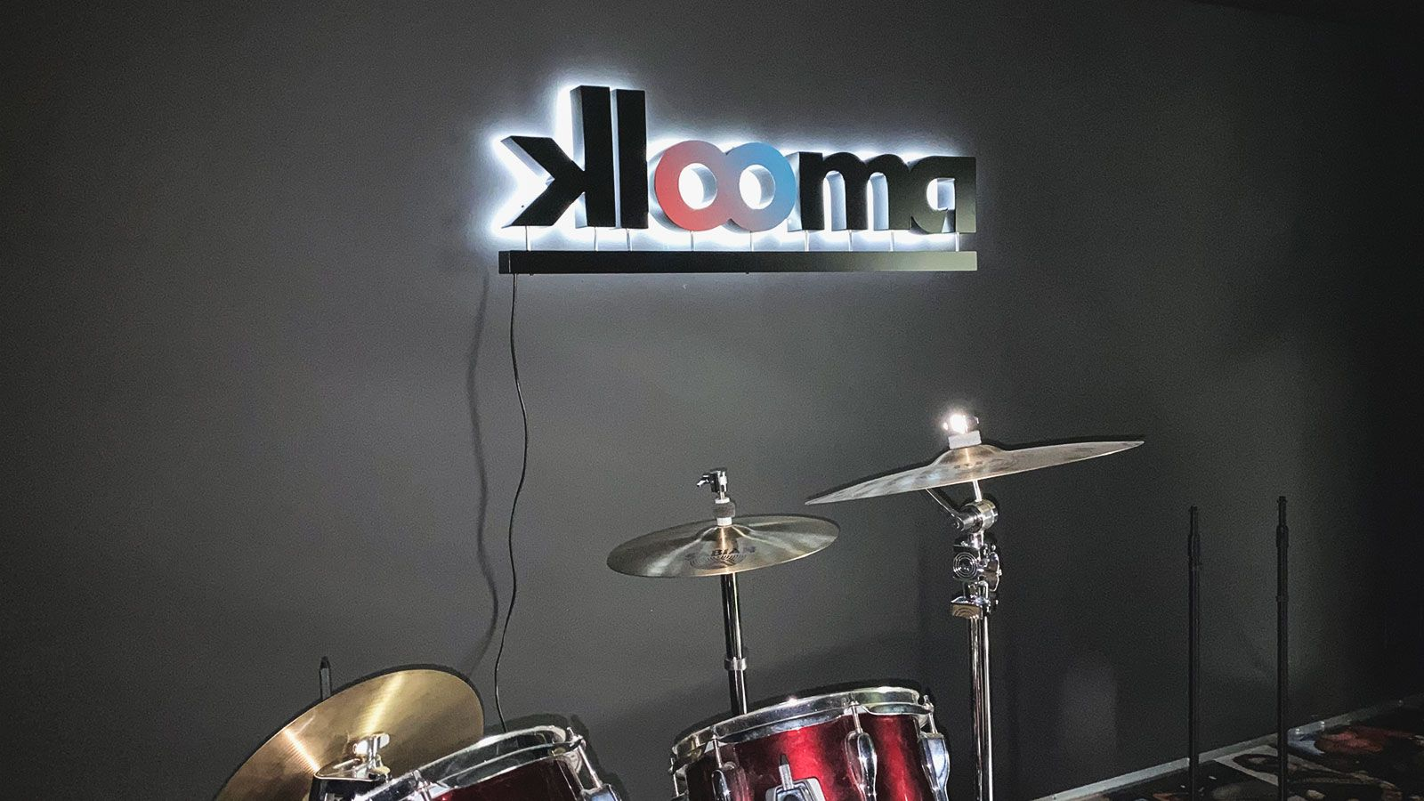 Klooma backlit channel letters