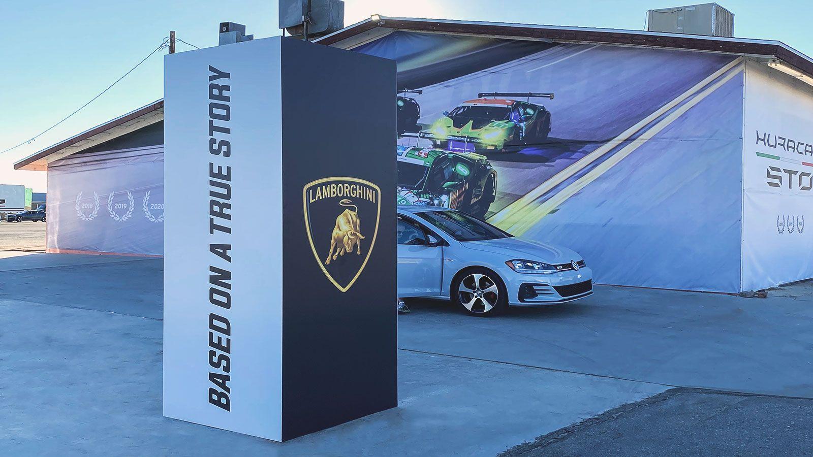 Lamborghini dibond stand